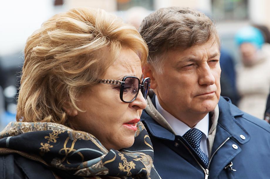 Близкие отношения Вячеслава Макарова и спикера Совета Федерации Валентины Матвиенко ни для кого не секрет.