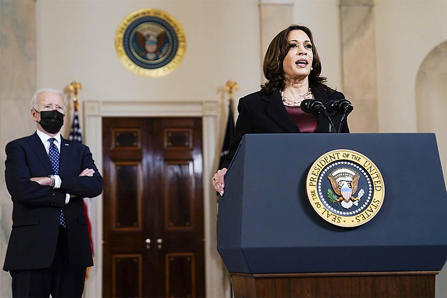 Представители Техаса обвиняют в происходящем на границе Соединённых Штатов недальновидную миграционную политику новой администрации президента США во главе с Камалой Харрис.
