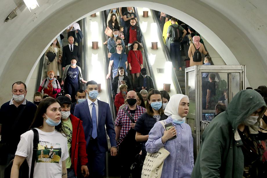 В Москве вакцинировано чуть больше 7 процентов населения, но при этом заражено всего 0,9 процента, хотя огромный мегаполис – благоприятная среда для быстрого распространения коронавируса.