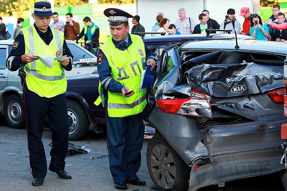 В административном регламенте ДПС отсутствует норматив времени прибытия на ДТП без жертв, хотя приказ о незамедлительном выезде на место аварии существует.