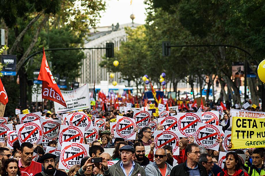 Протест против торговых соглашений СЕТА и TTIP.