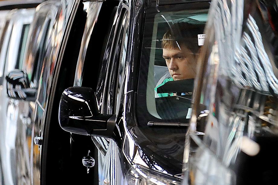 Министерство промышленности и торговли РФ подтвердило проблему с поставками комплектующих для сборки автомобилей.