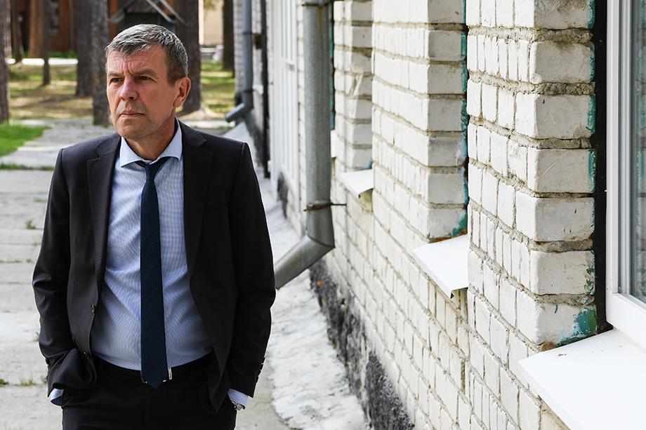 Последние восемь лет Владимир Боликов занимал пост заместителя мэра Екатеринбурга по вопросам потребительского рынка и услуг.