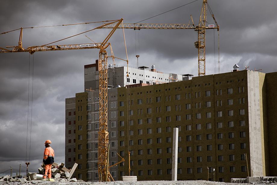 Стоимость строительства общественного центра и Дворца водных видов спорта с лета прошлого года выросла вдвое – до 6,5 млрд и 14 млрд рублей соответственно.