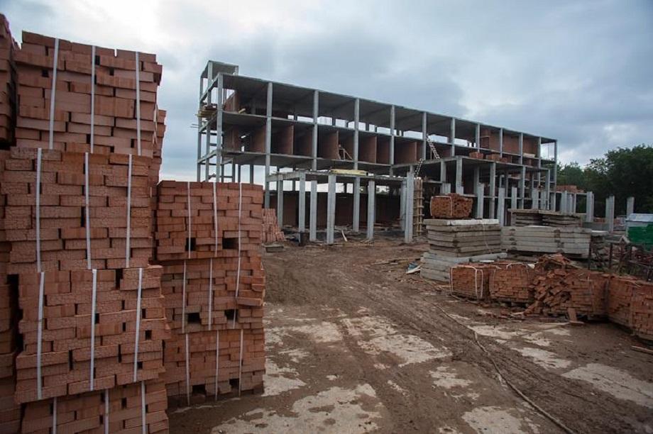 """За восемь лет из трёх объектов компания «Бассейны """"Атлантика""""» не смогла построить ни одного."""