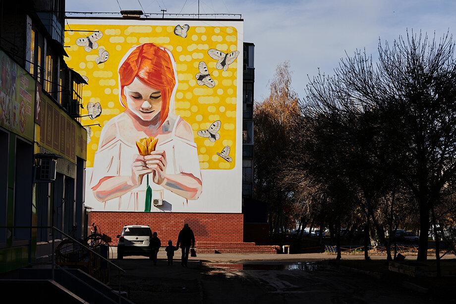 В этом году художники украсят своими работами не менее 12 площадок.