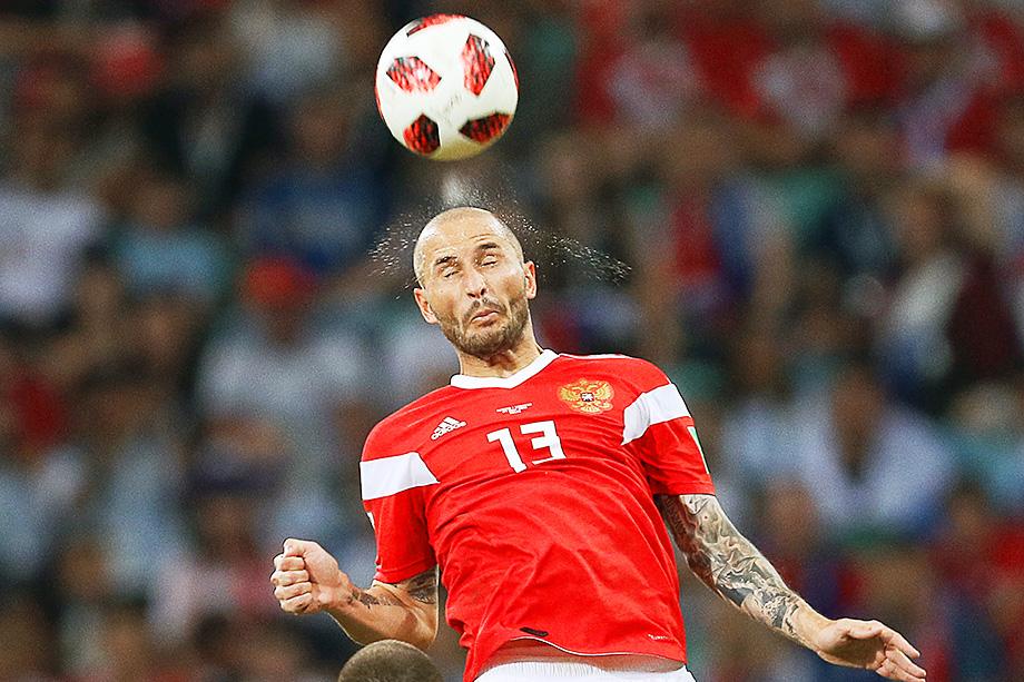 На разминке перед матчем с болгарами травму получил один из ветеранов сборной Фёдор Кудряшов.