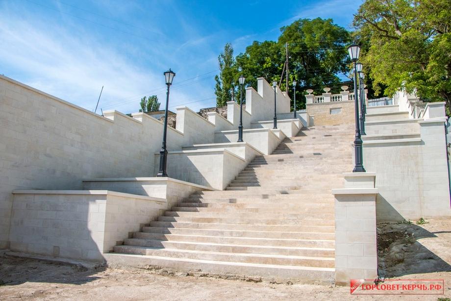 Реконструкция лестниц началась в 2018 году.