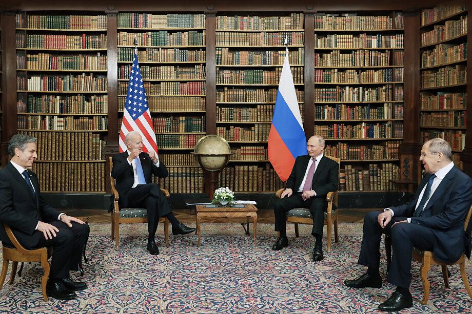 Путин и Байден подписали совместное заявление, подтверждающее их «приверженность принципу, согласно которому в ядерной войне не может быть победителей и она никогда не должна быть развязана».