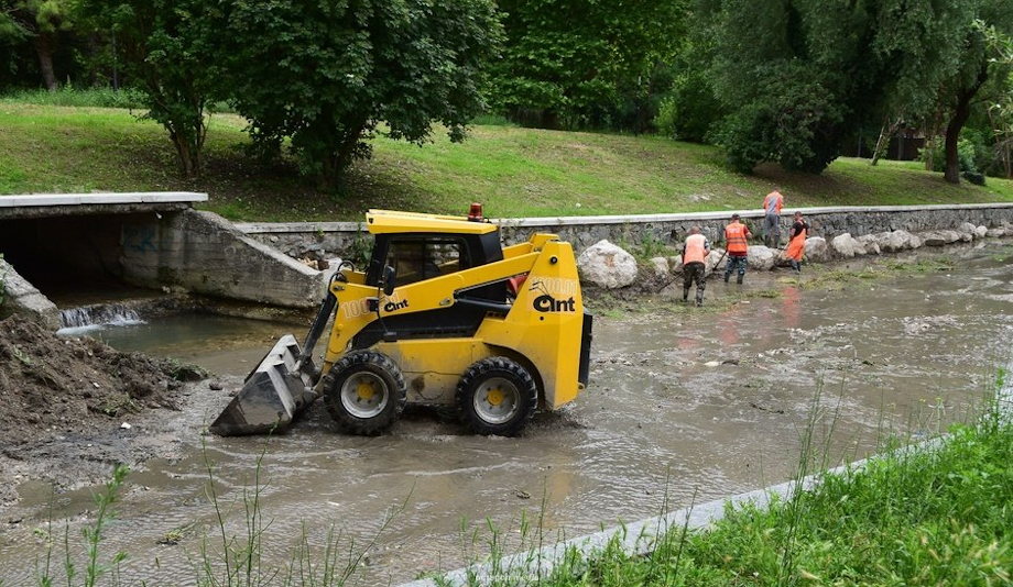 Русло реки расчистят до сезона дождей.