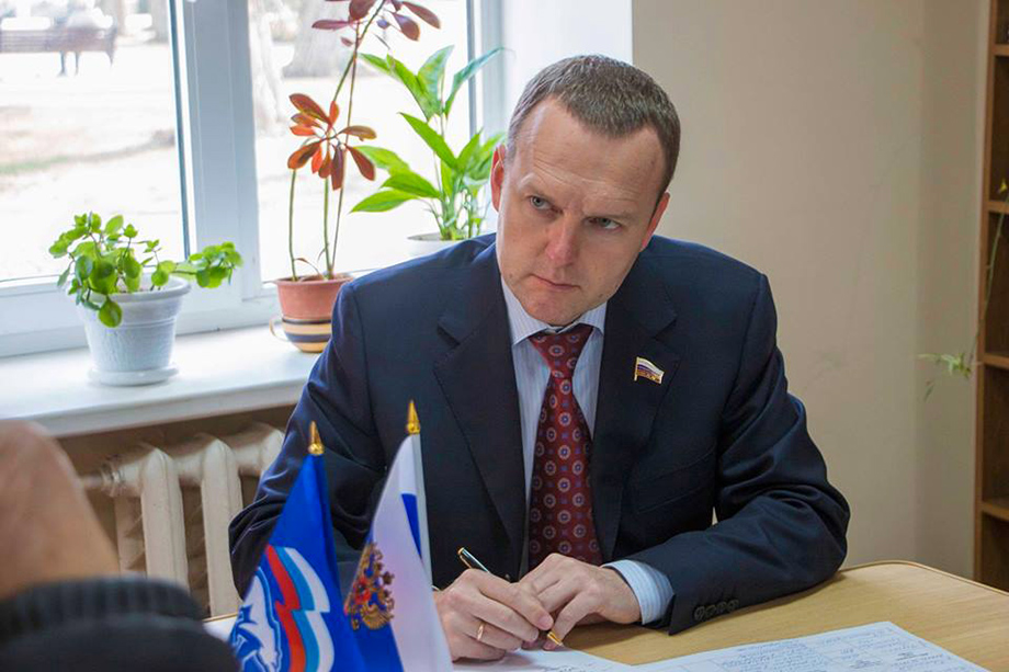 Наиболее сильные позиции в округе – у Константина Бахарева.