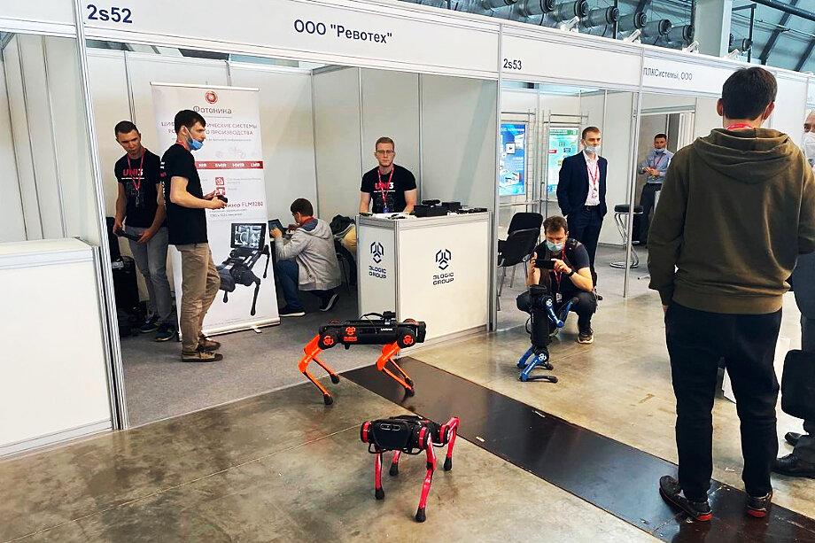 Собаки-роботы резидента «Сколково» компании 3Logic.