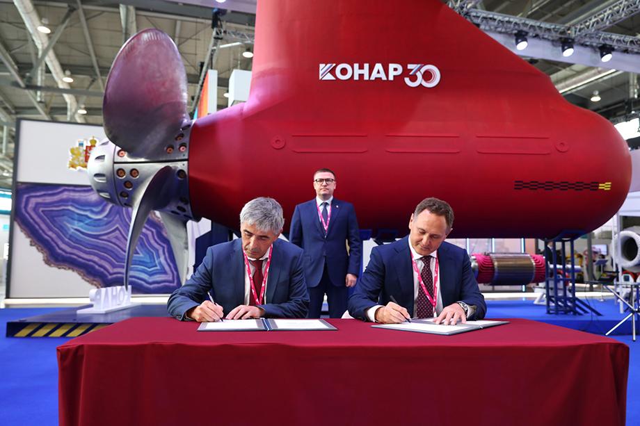 Генеральный директор АО «КОНАР» Валерий Бондаренко во время заключения новых соглашений о сотрудничестве с итальянскими компаниями ATP Group и PAMA S.p.A.