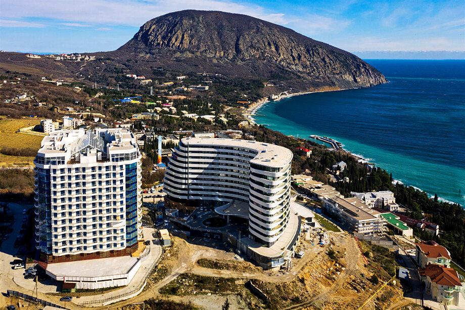 Самое дорогое жильё на полуострове – в Ялте (в среднем 154 тысячи рублей за «квадрат»), Севастополе и Алуште.