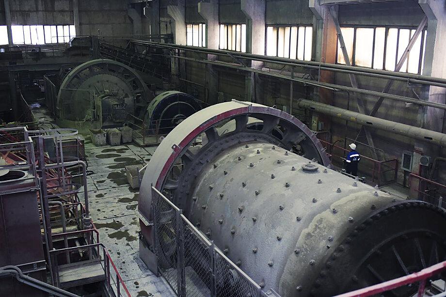 По мнению местных экоактивистов, вина за катастрофическое обмеление озёр лежит на Учалинском горно-обогатительном комбинате.