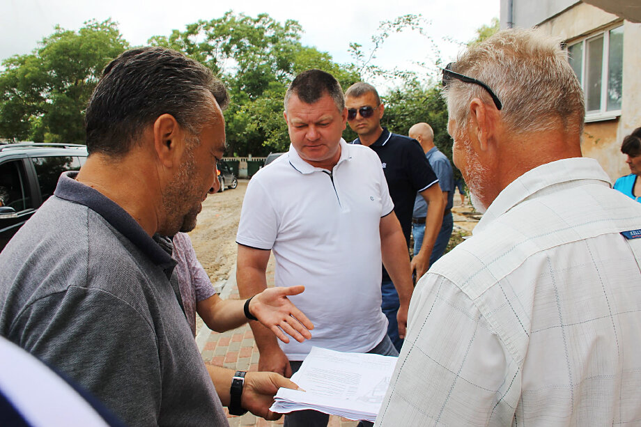 Решение главы администрации Керчи Сергея Бороздина по сбору средств пострадавшим от ЧС вызвало глубокое недоумение у местных жителей.