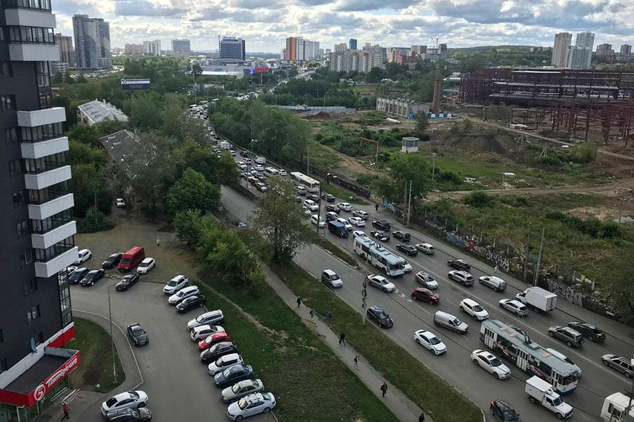 Улица Белинского стоит от Объездной до Саввы Белых.