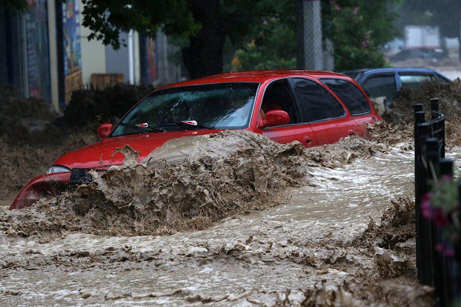 Благотворительный фонд возместит полностью стоимость утраченных машин до 300 тысяч рублей