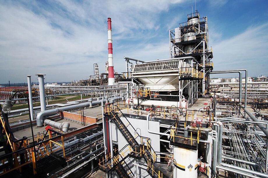 Куйбышевский НПЗ – один из нескольких заводов, закрытых на ремонт этим летом.