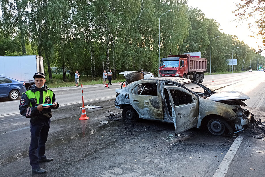 В результате столкновения четырёх машин оказалась перекрыта улица 50 лет ВЛКСМ.