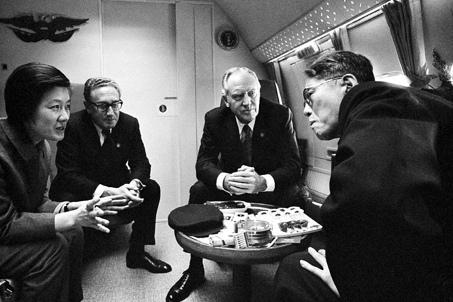 В 1972 году США воспользовались недальновидностью тогдашнего советского лидера и сумели сделать Китай своим политическим и военным союзником в борьбе против Советского Союза. Эта стратегическая победа принадлежала Генри Киссинджеру.