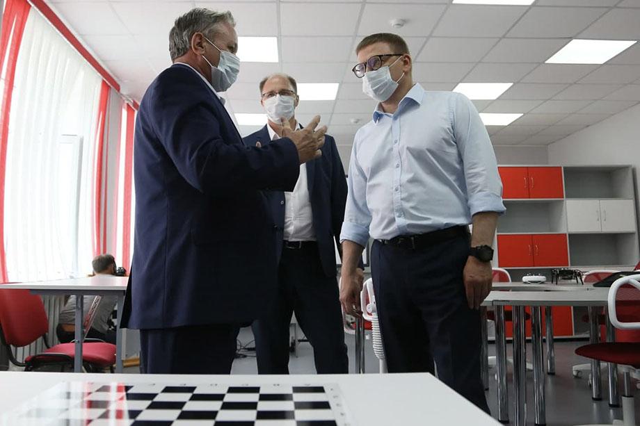 Школьники Увельского района смогут учиться в две смены Фото: пресс-служба губернатора Челябинской области