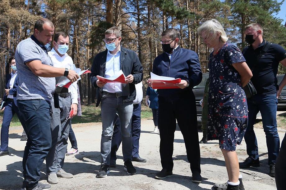 Якушев проверил ход строительства домов в южноуральских посёлках.