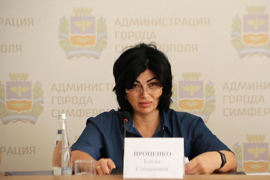 Елена Проценко креслом мэра поплатилась за провал программы благоустройства Симферополя на деньги Москвы. По этой же причине кресло шатается и под нынешним главой администрации Валентином Демидовым.