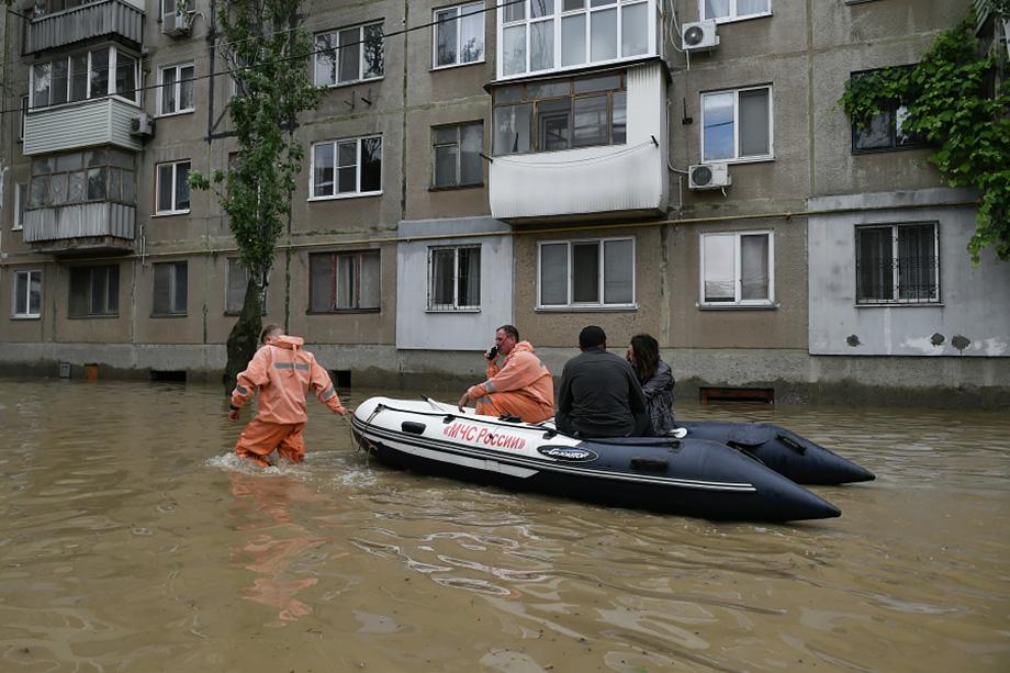 Город второй раз за лето страдает от потопа.