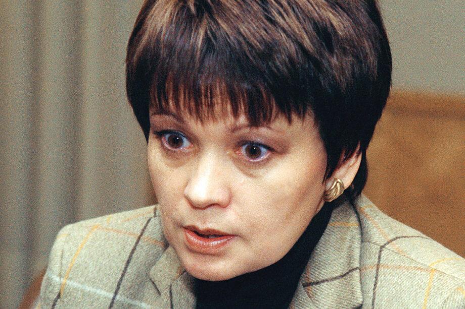 14 декабря 2001 года. Заместитель полномочного представителя президента РФ в Северо-Западном федеральном округе Любовь Совершаева принимает участие в работе международной конференции.