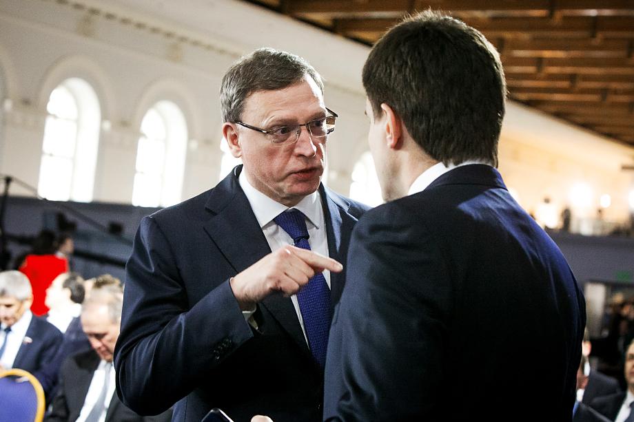 Главной заинтересованной в ослаблении Александра Буркова стороной являются представители местных контрэлит, владеющие крупнейшими предприятиями и активами в Омской области.