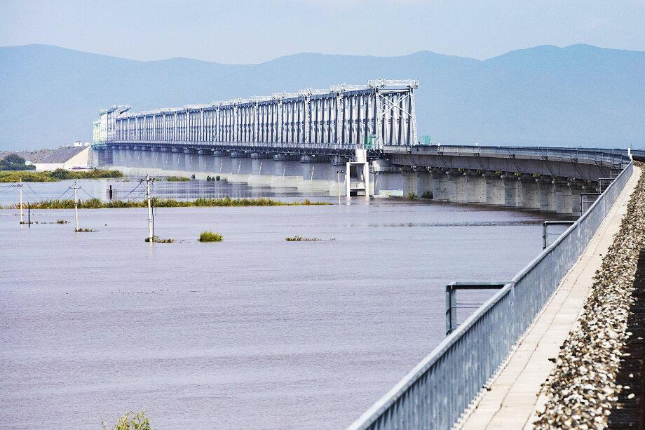 Проектная пропускная способность нового моста через Амур – 21 млн тонн в год.