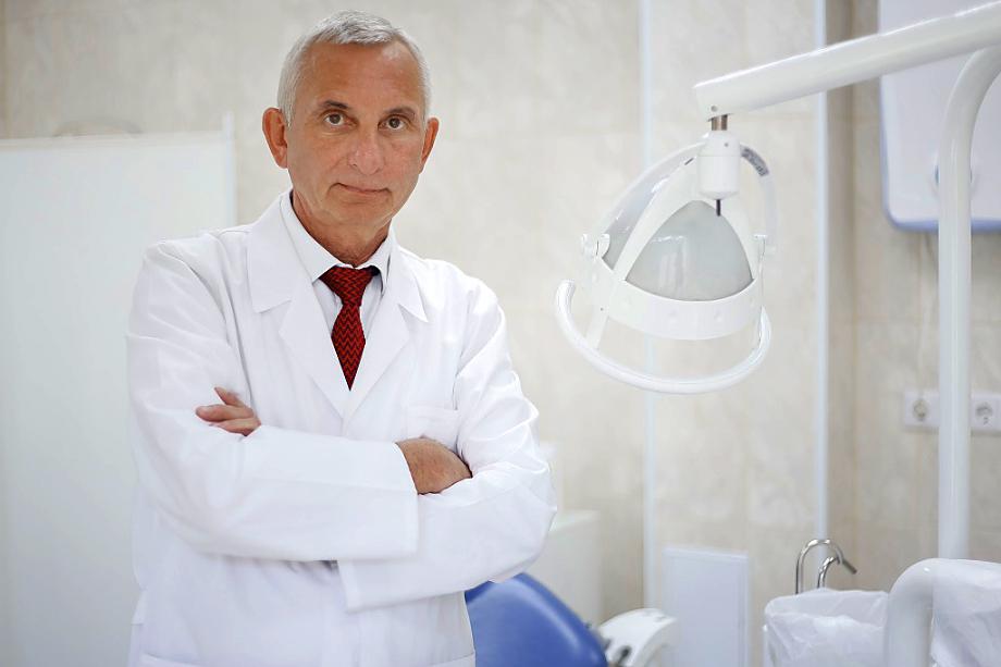 Алексей Портнягин занял место главного стоматолога региона.