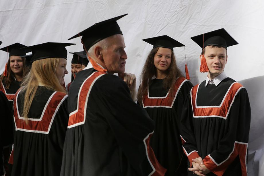 61 процент опрошенных представителей университета одобряют идею создания единого кампуса.