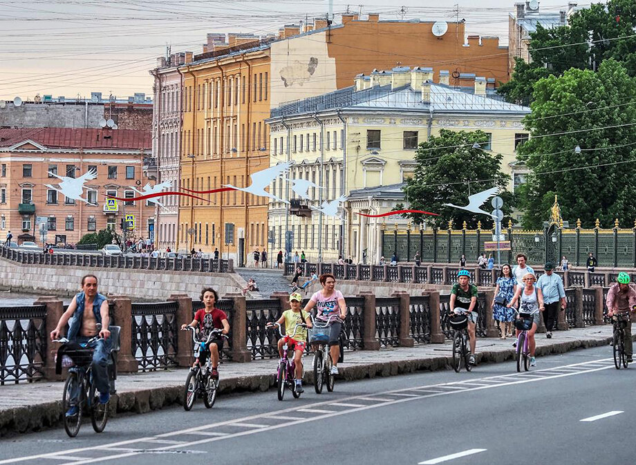 В Петербурге около 2 миллионов велосипедов, что примерно равно количеству автомобилей.