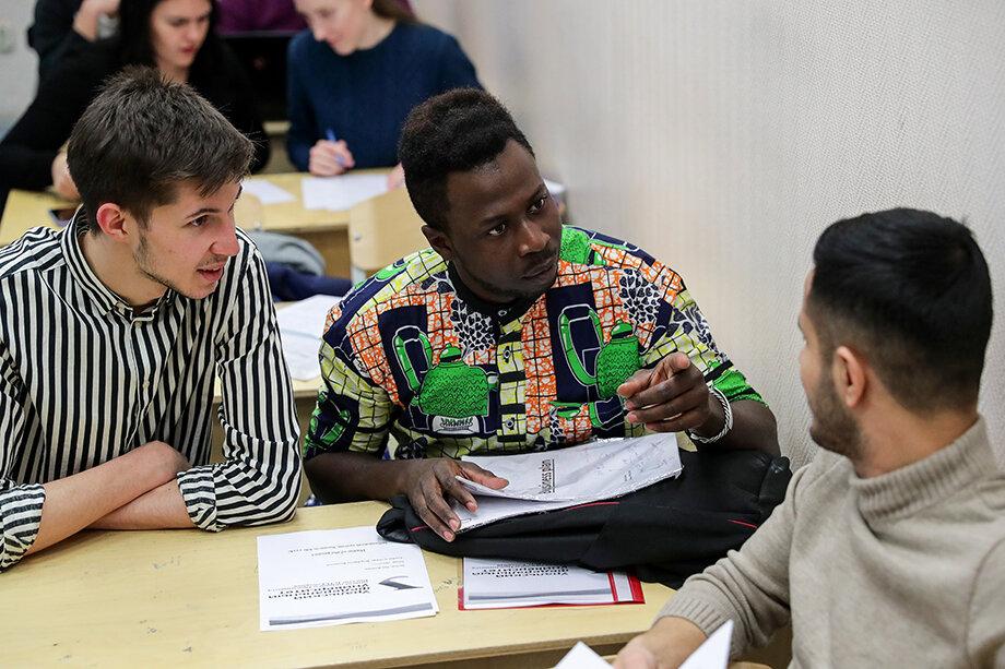 У иностранных студентов не требуют сертификат о вакцинации и результаты ПЦР-теста для поселения в общежитие.