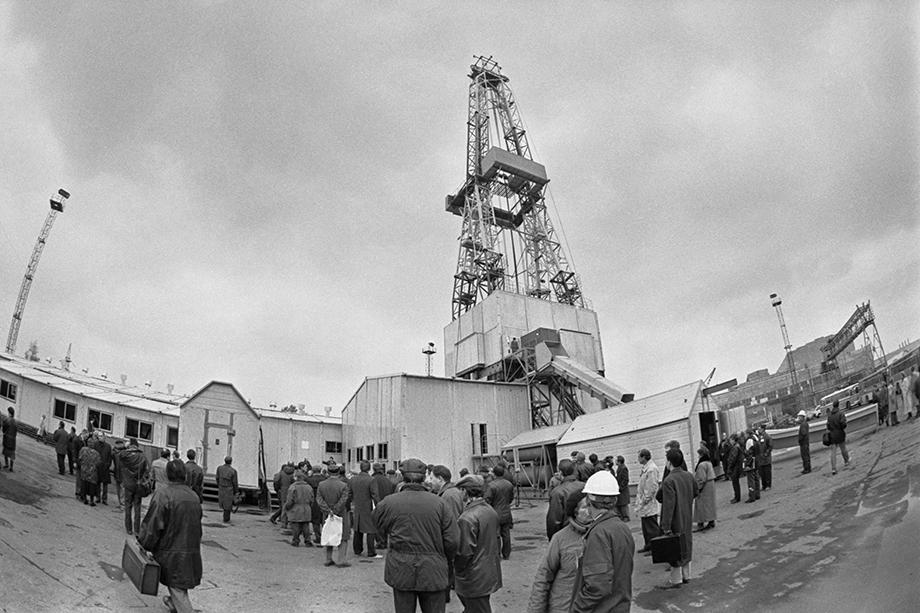 Тему добычи нефти на Среднем Урале поднимал ещё первый губернатор области Эдуард Россель. В 1993 году даже было создано общество «Уралнефть», которое эксплуатировало месторождения на территории Красноуфимского района.