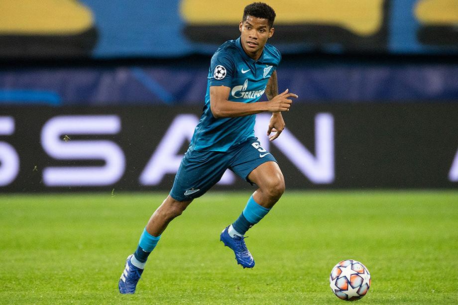 Также на поле не выйдет полузащитник сине-бело-голубых Вилмар Барриос.