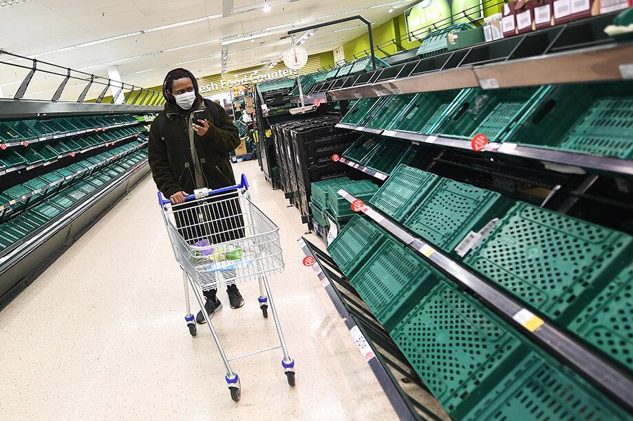 Трудности с организацией грузоперевозок повлекли за собой проблемы с поставками сырья и товаров первой необходимости.