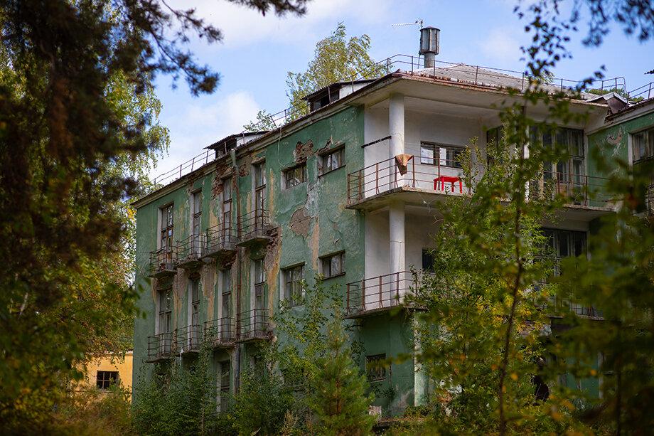 Здание по адресу: Кирова, 9, построено в лучших традициях свердловского конструктивизма.