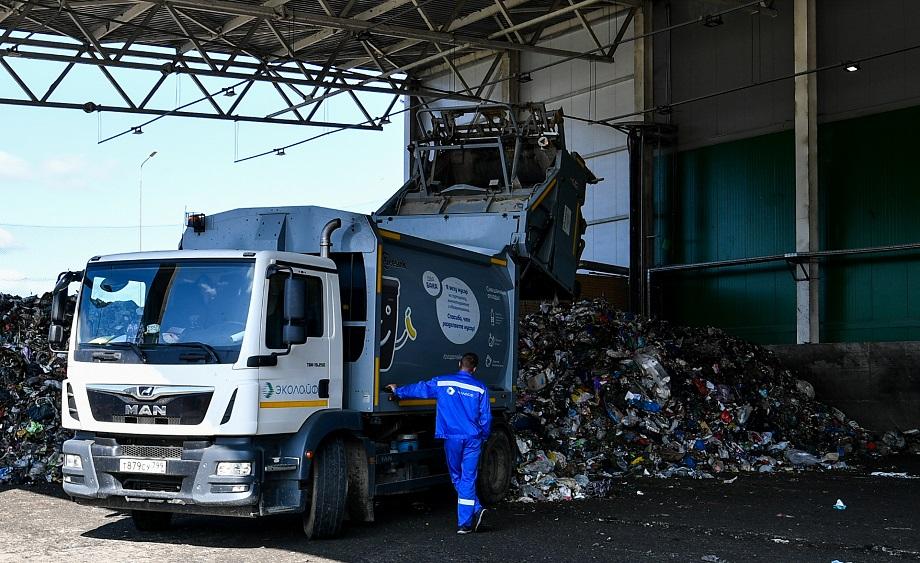 В Москве плата за вывоз мусора не взимается отдельной строкой, а включена в графу «Содержание и эксплуатация», что не позволяет ФАС жёстко контролировать тарифы.