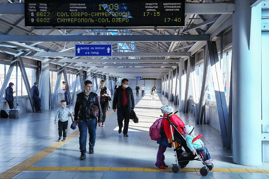 Ежегодно население Крыма прирастает на несколько тысяч человек, приезжающих на полуостров из бывших советских республик.