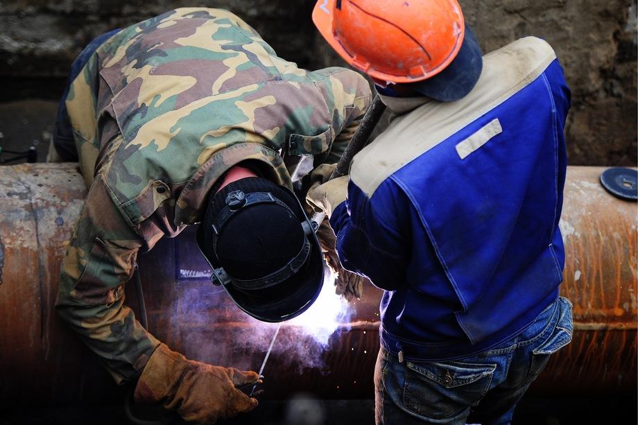 По словам директора «БашРТС» Тимофея Дубровского, ремонт всех изношенных теплосетей требует дополнительных средств из бюджета или увеличения цен на тепло вдвое.