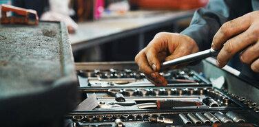 Потребность страны в рабочих кадрах достигла критической отметки