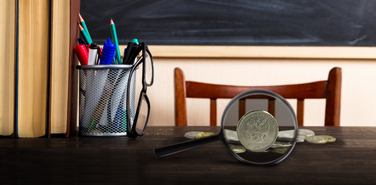 В бюджете нет денег на рост зарплат учителей